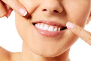 La salute dei denti passa anche da una corretta idratazione